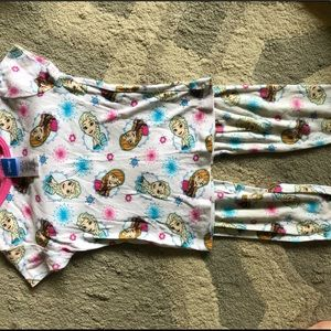 EUC girls Elsa and Anna frozen pajama set sz 6